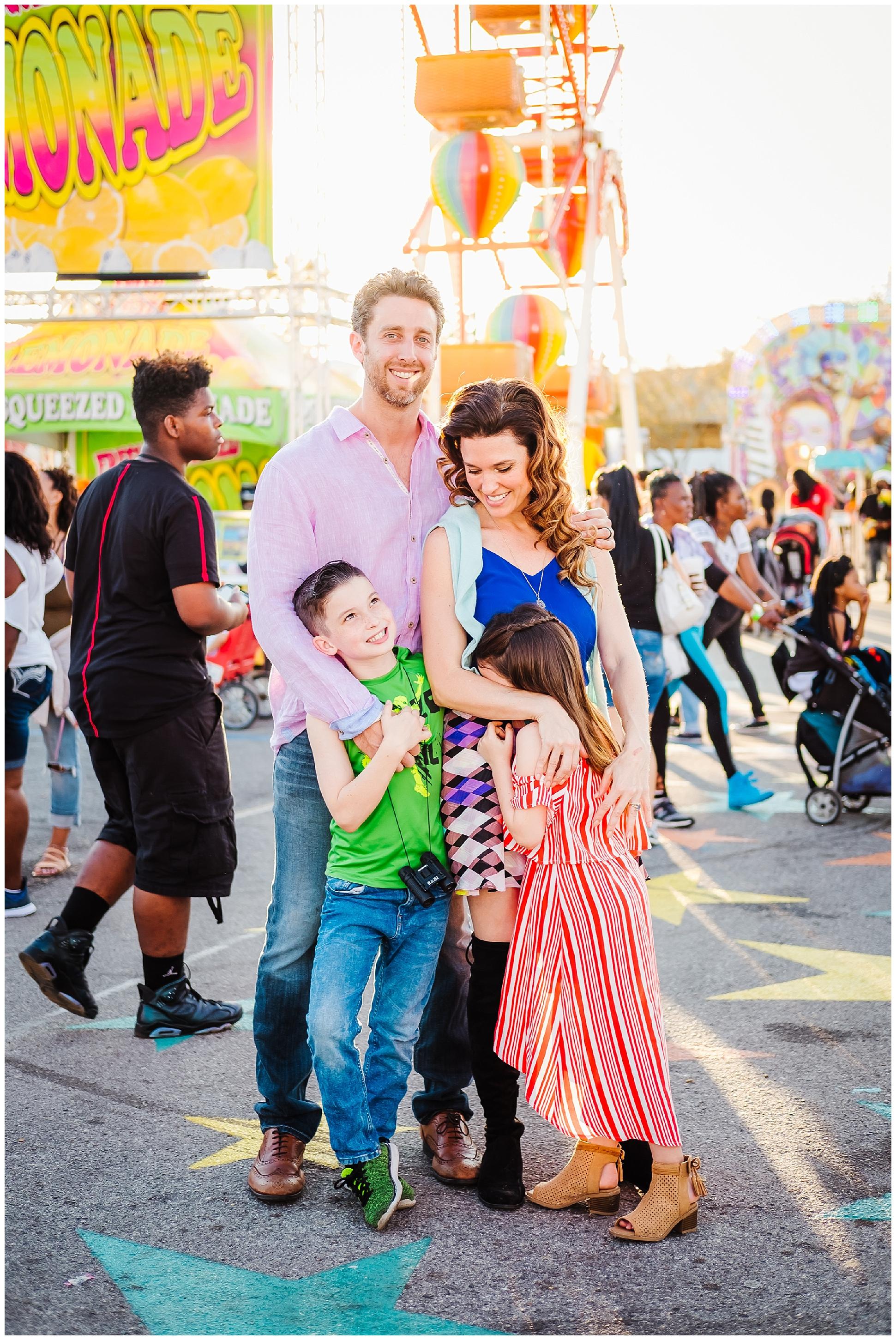 Tampa-colorful-fair-amusement park-dani family session_0008.jpg