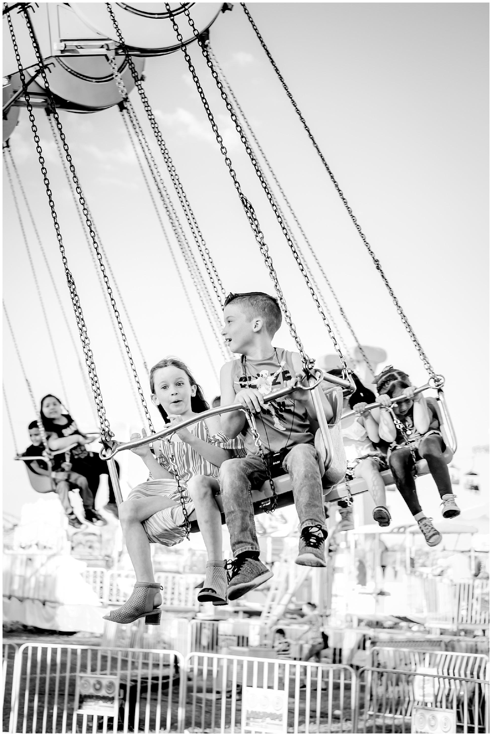 Tampa-colorful-fair-amusement park-dani family session_0011.jpg