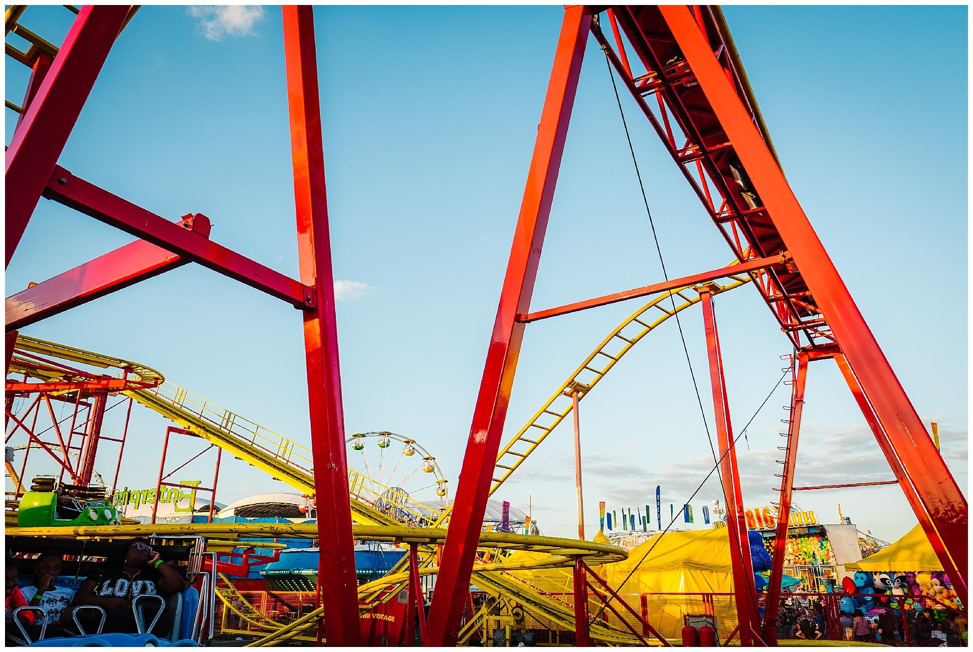 Tampa-colorful-fair-amusement park-dani family session_0015.jpg