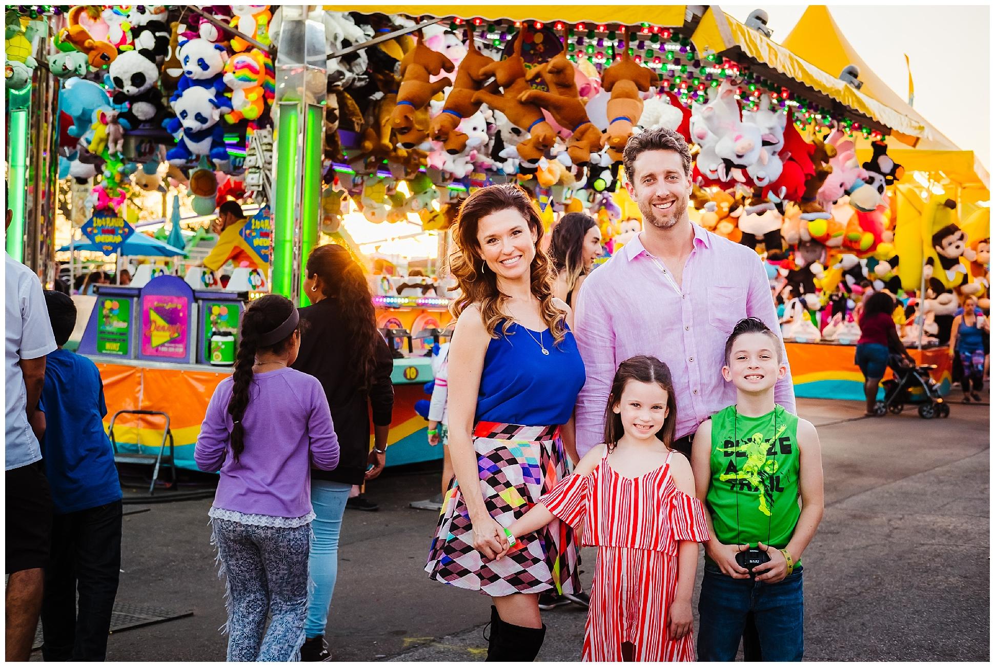 Tampa-colorful-fair-amusement park-dani family session_0021.jpg