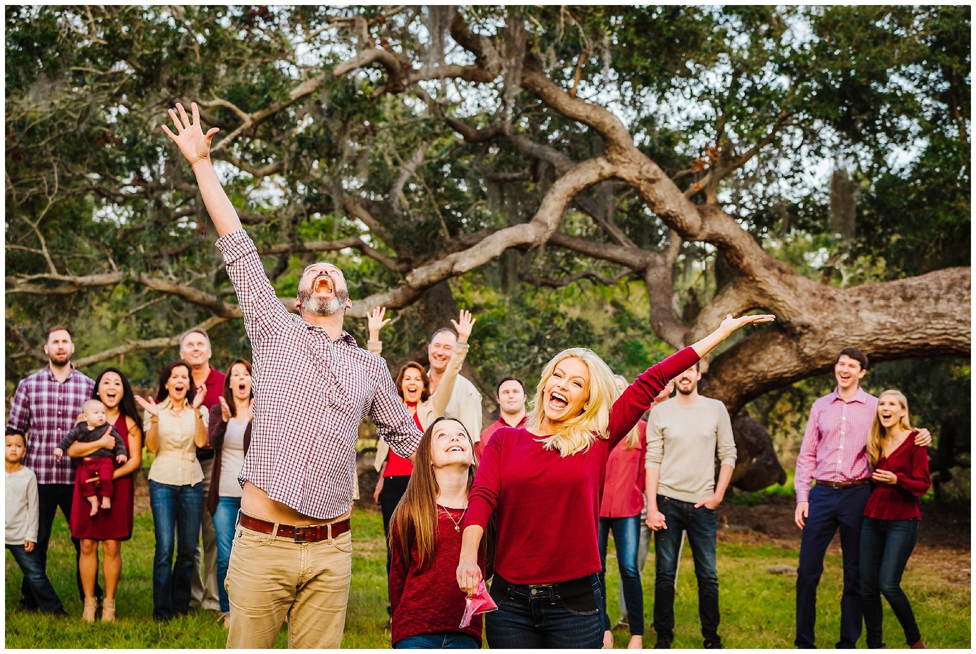 tampa-oak tree-park-holiday-gender reveal-family session_0041.jpg