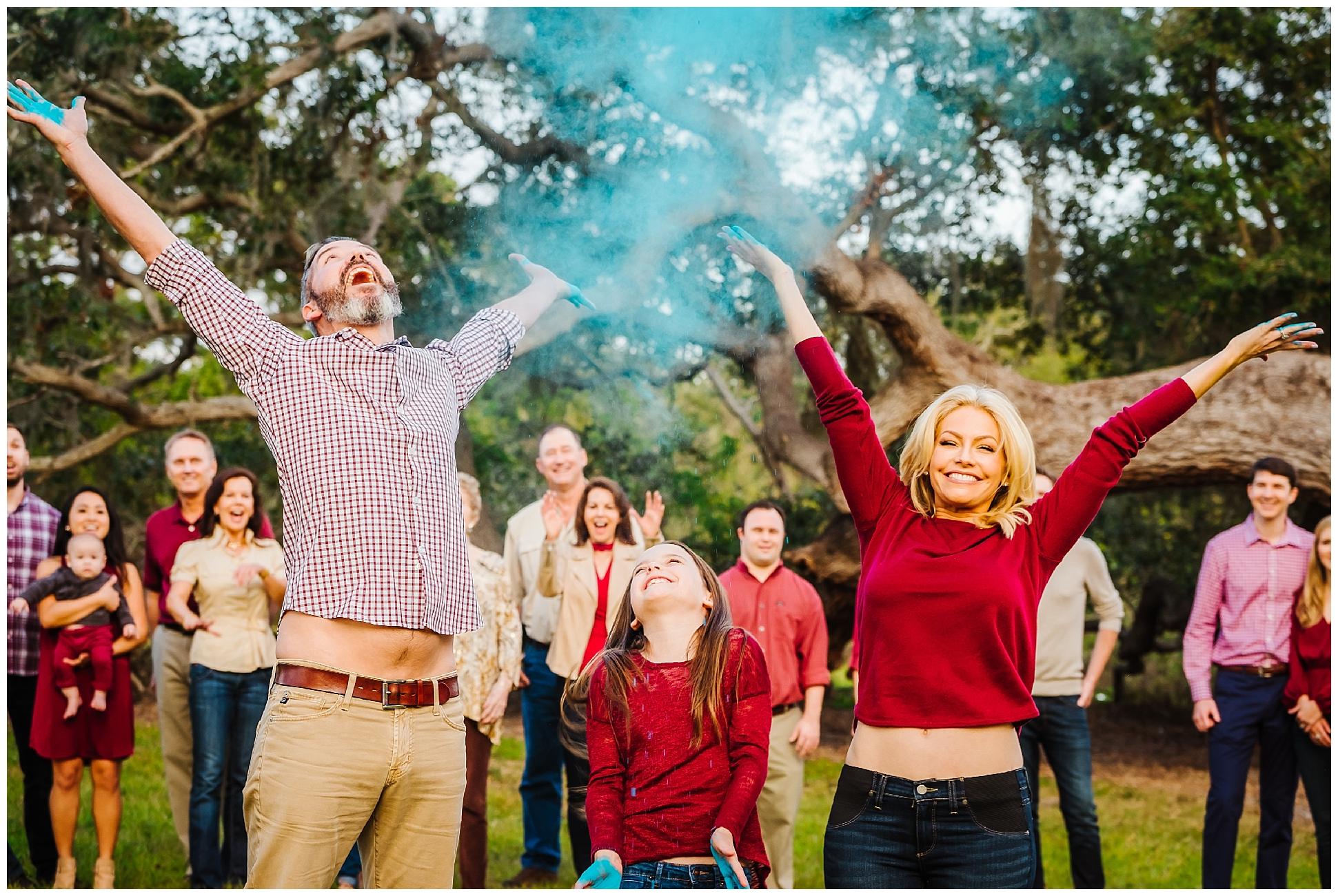 tampa-oak tree-park-holiday-gender reveal-family session_0043.jpg