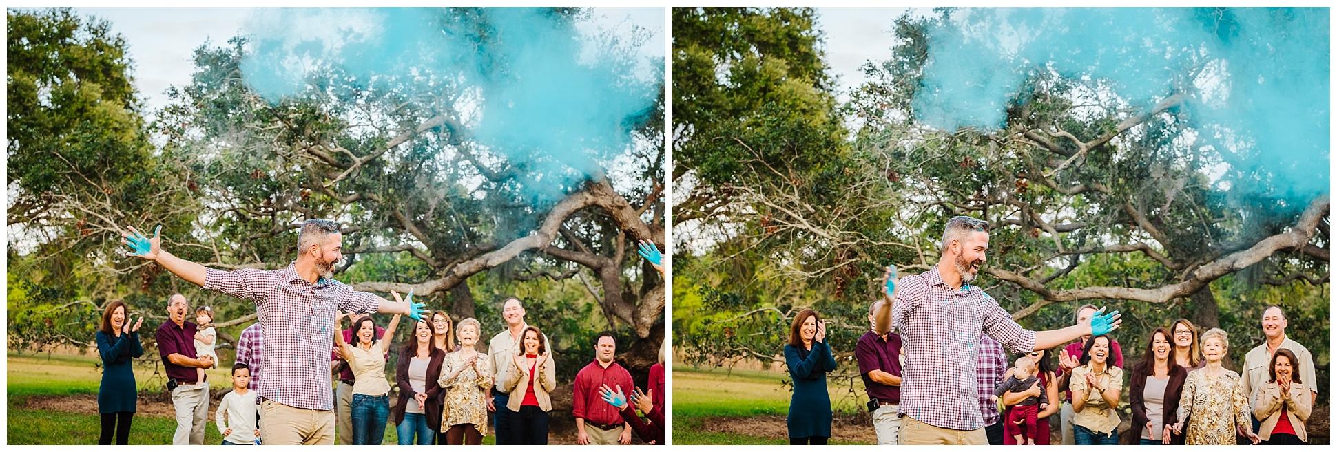 tampa-oak tree-park-holiday-gender reveal-family session_0044.jpg