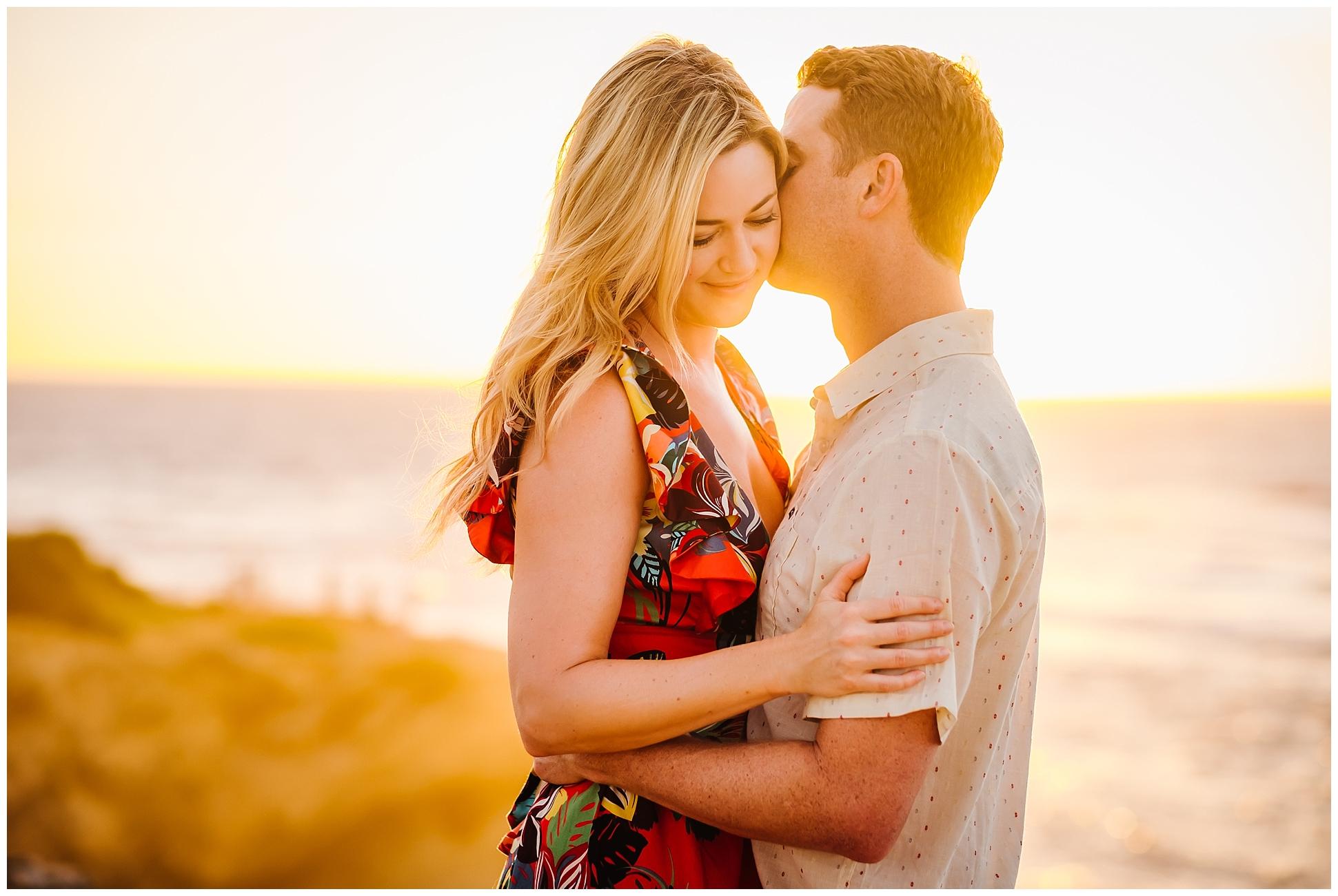 hawaiin-honeymoon-sunrise-portraits-kauai-grand-hystt-destination-photographer_0003.jpg