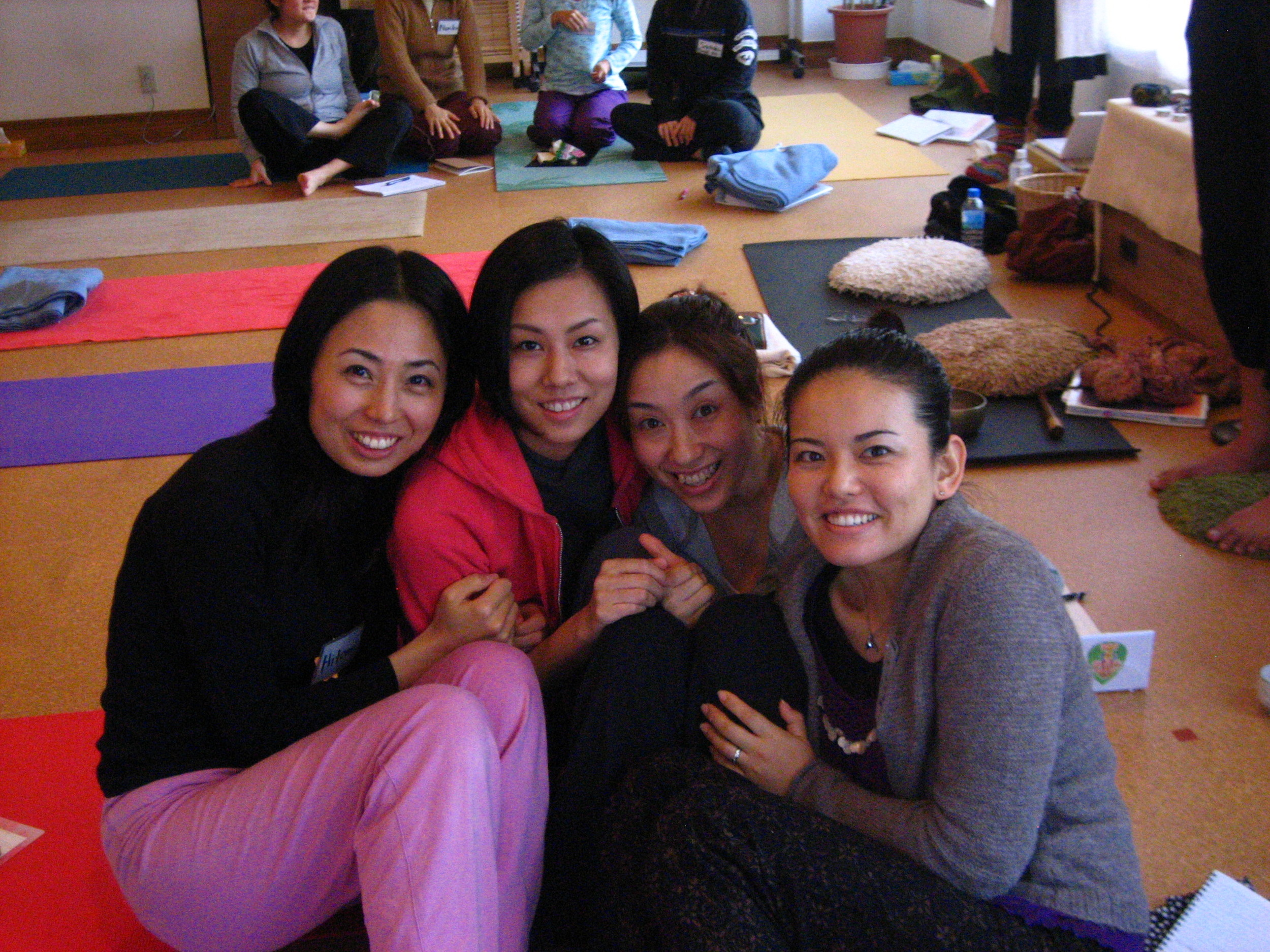 Japan YTT Yogis '08.JPG