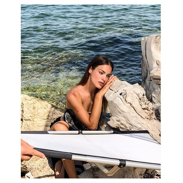 Just give me #greek #summer a #beautiful #model @alex__ford #amazing #makeup @altanid and I'm done ✅ makeup for @ponicosmetics @esmiskinminerals  #skin #summer2018 🇬🇷 #georgefavios  @dtales_creativeagency