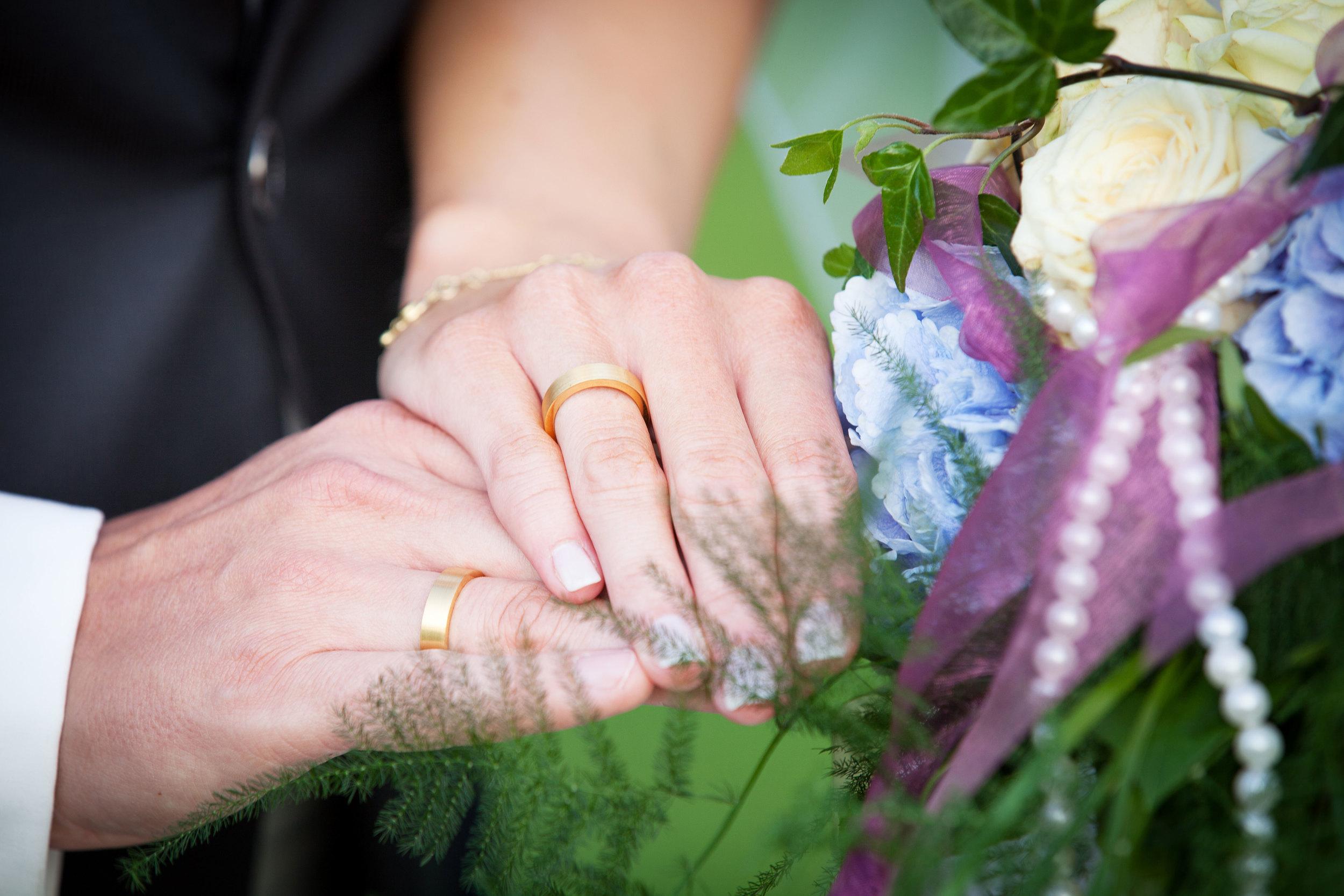 Close up der Hochzeitsringe