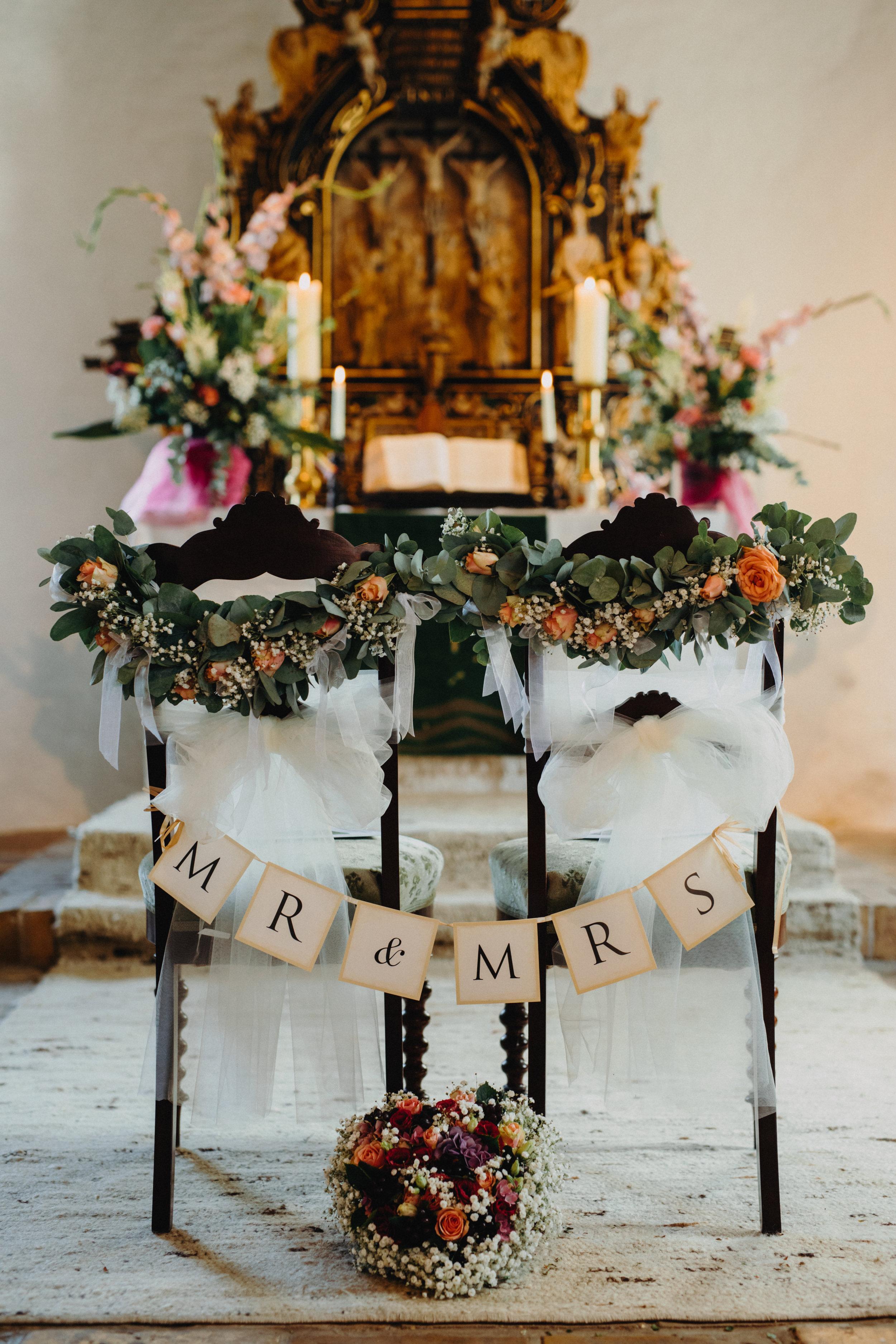 Blumendekoration Kirche - Hochzeitsfotograf
