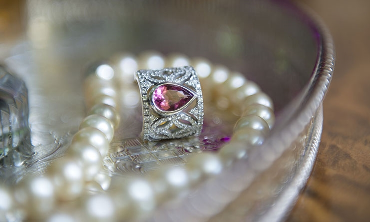 Jenna Clifford,world-renowned jewellery designerknown for her uniquedesigns and superlative craftsmanship