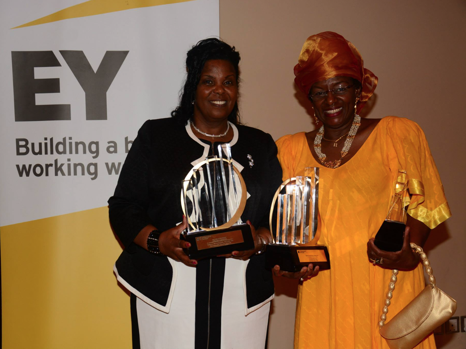 Dr. Jennifer Riria  (Right)with her EY Awardin the master category for the Kenyan region