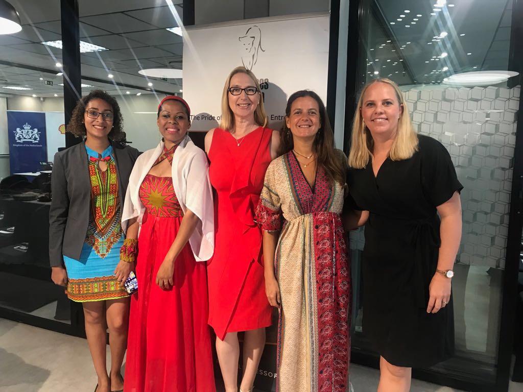 L-R: Patricia Vasco,Tania Tome, Melanie Hawken,Marta Roff,Sasha Vieira
