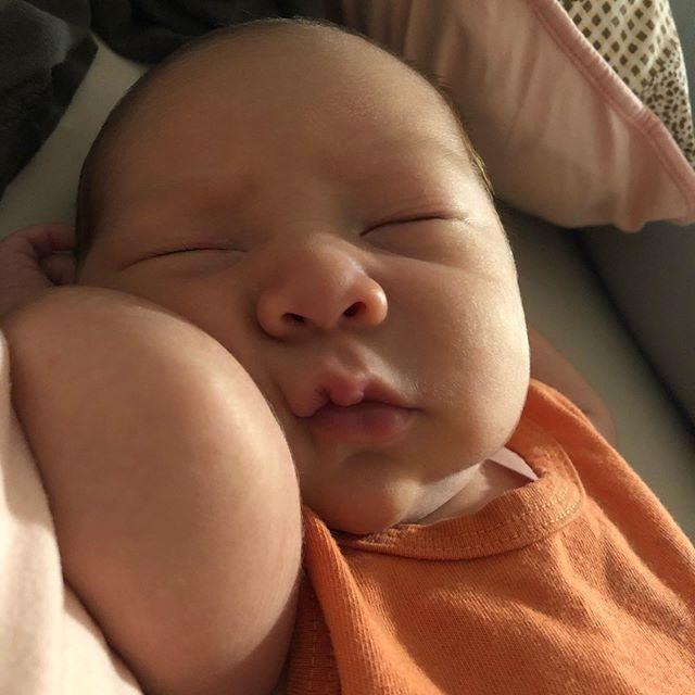 For en uke siden den lille prinsen har kommet til verden!!! 💙😍💙👶🏻🤱🏻 #nybaktmamma #gutt #babyboy #babyverden #mammasboy #babycheeks #prinsen #love