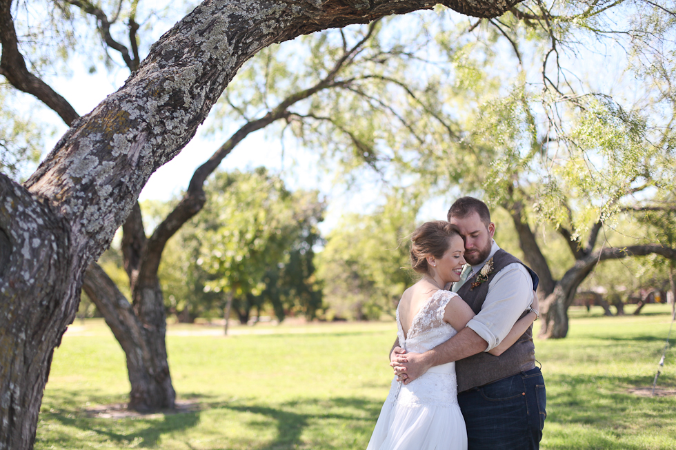 If you want to see photos from this wedding, check out     the photographer, Elisabeth Carol's  blog  and send her some comment love!