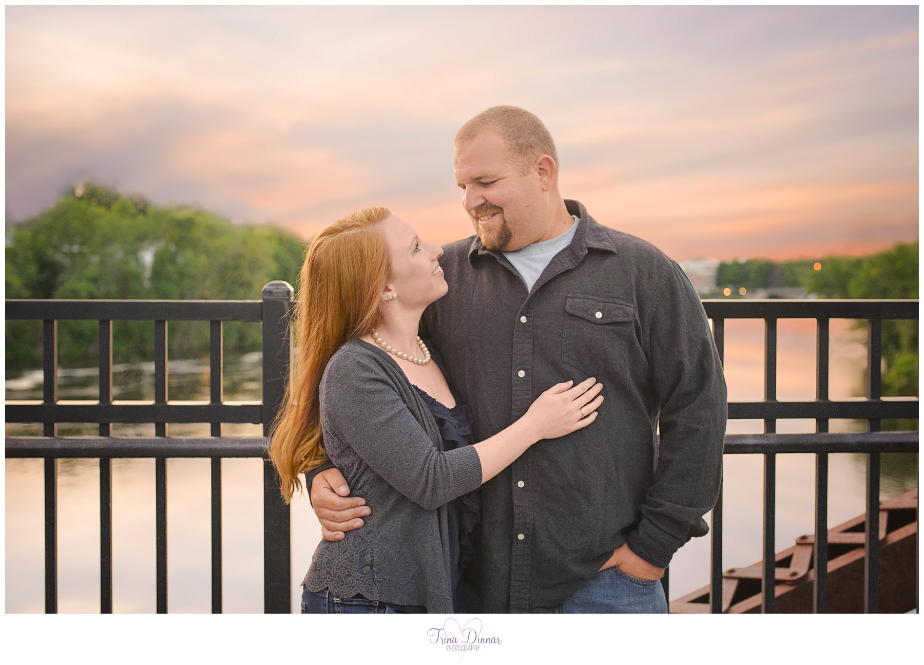 Engagement photographer in Maine