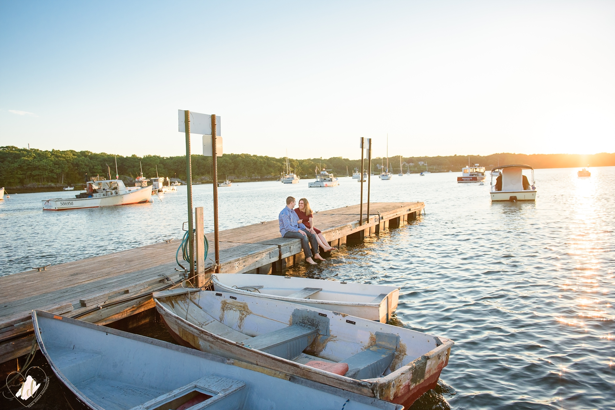 Southern Maine Engagement Photographer photographs couple at Camp Ellis is Saco.