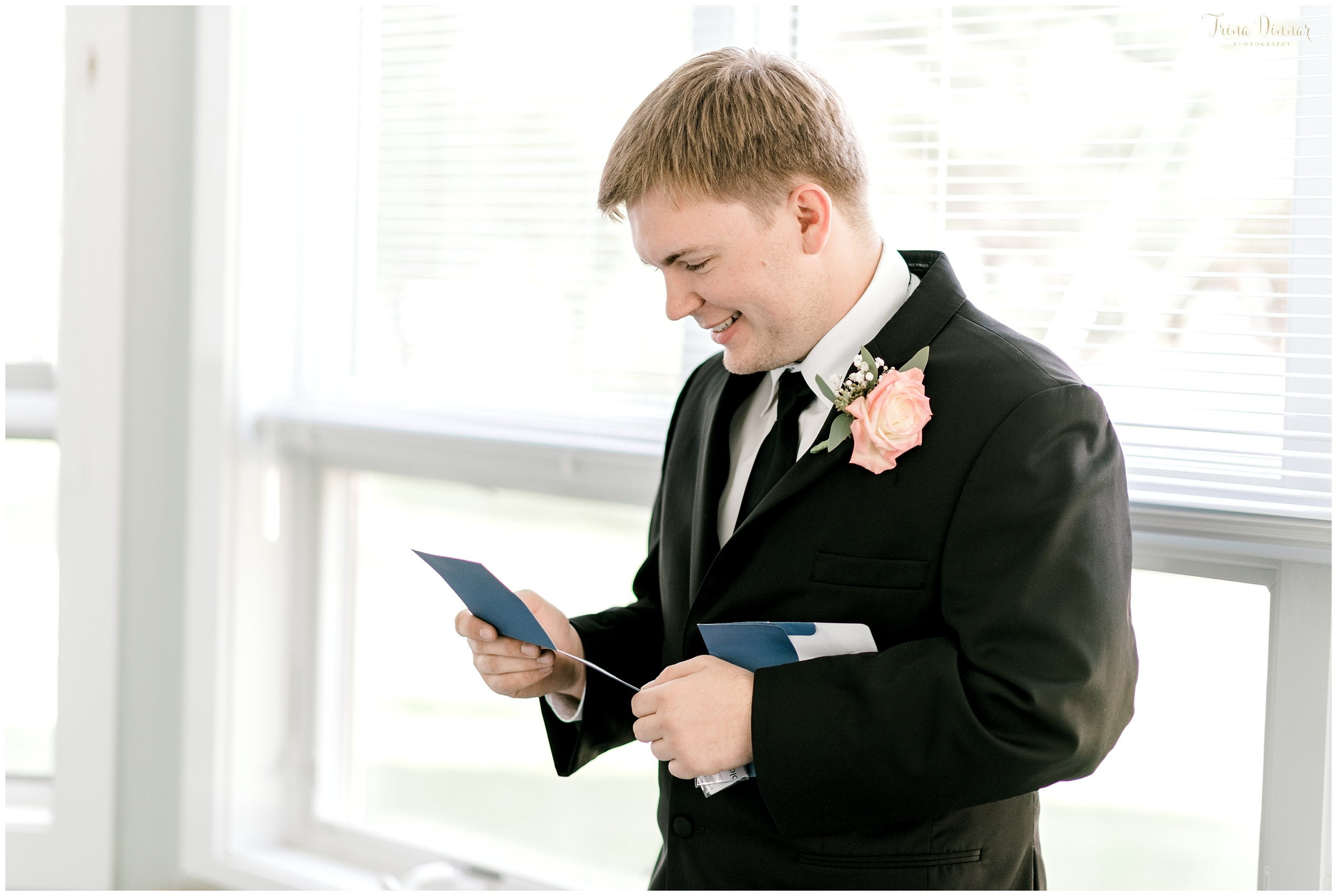 Evan reads letter from Lindsey on their wedding day.
