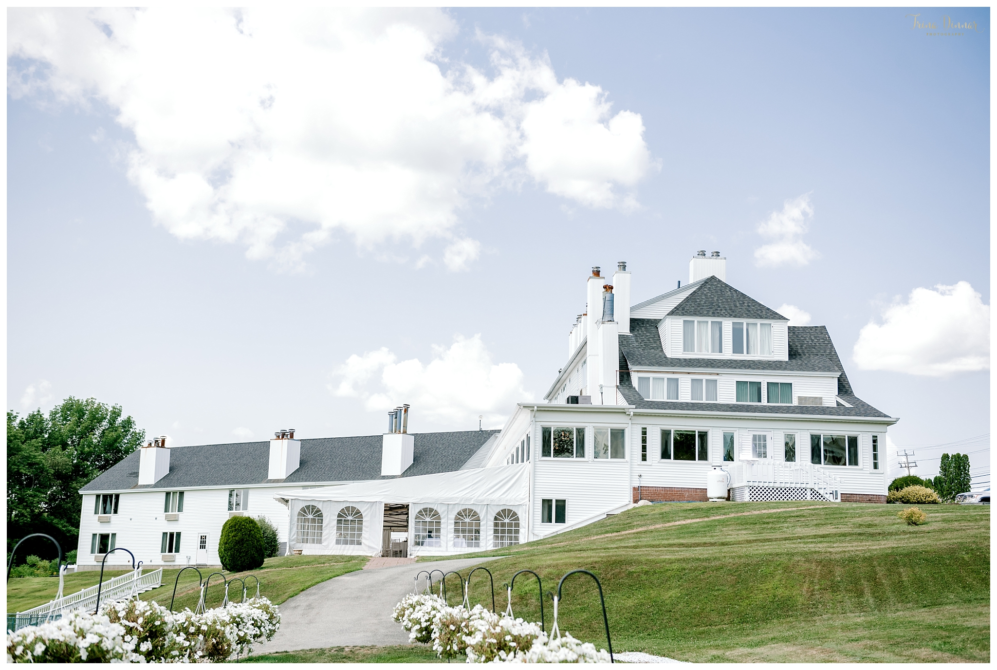 The Lucerne Inn is a Maine Wedding Venue located in Dedham, just outside of Bangor.