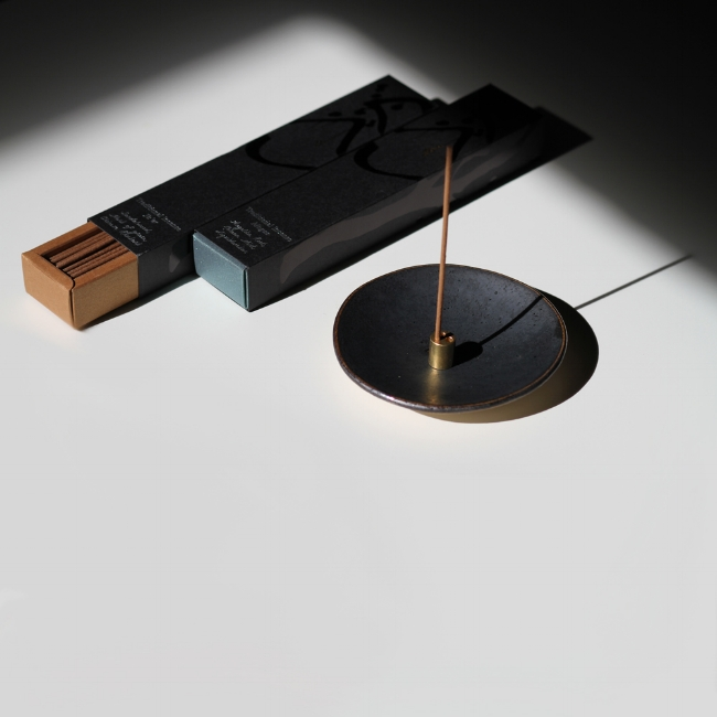 black-incense-dish_0010SQ_web.jpg