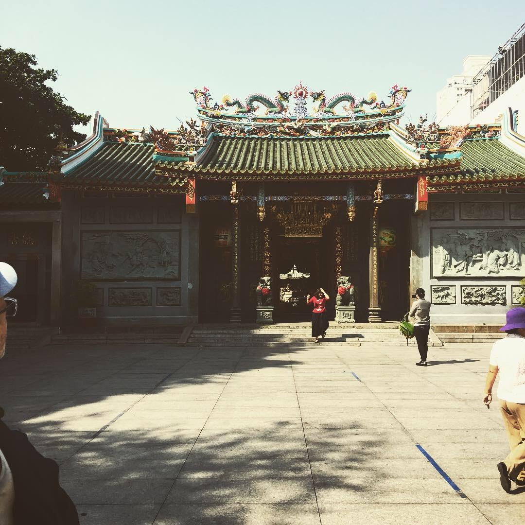 chinese temple vietnam 2 .JPG