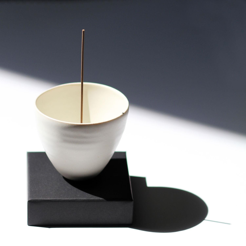 WEB_Ume-Incense-Burner_Ivory-Porcelain_002.jpg