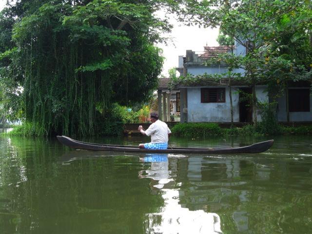 kerala boat.jpg