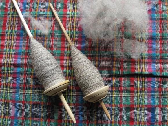 spindles peru spinning wool