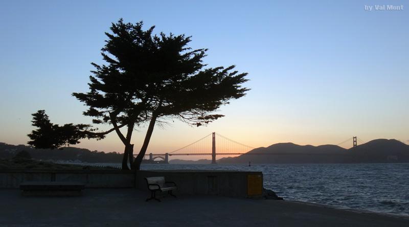 Golden Gate Brücke in San Francisco im weichen Abendlicht