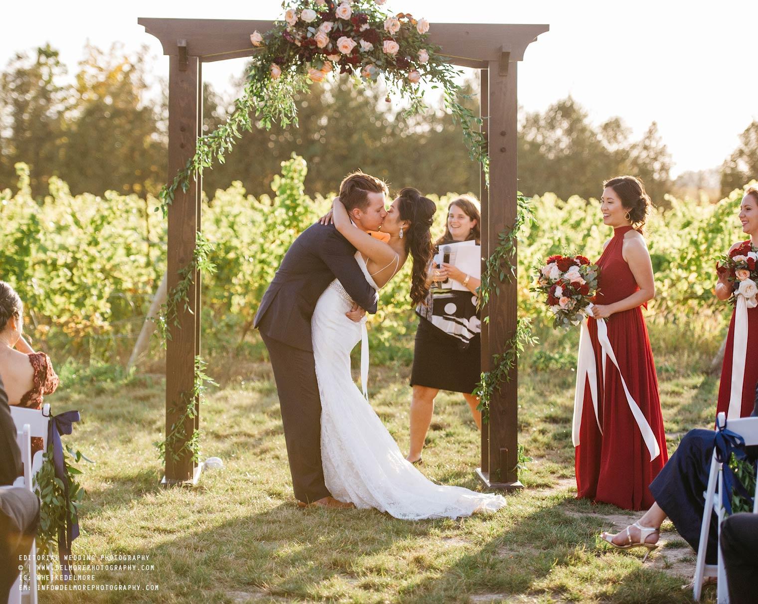 top-windsor-winery-wedding-photographer-043.jpg