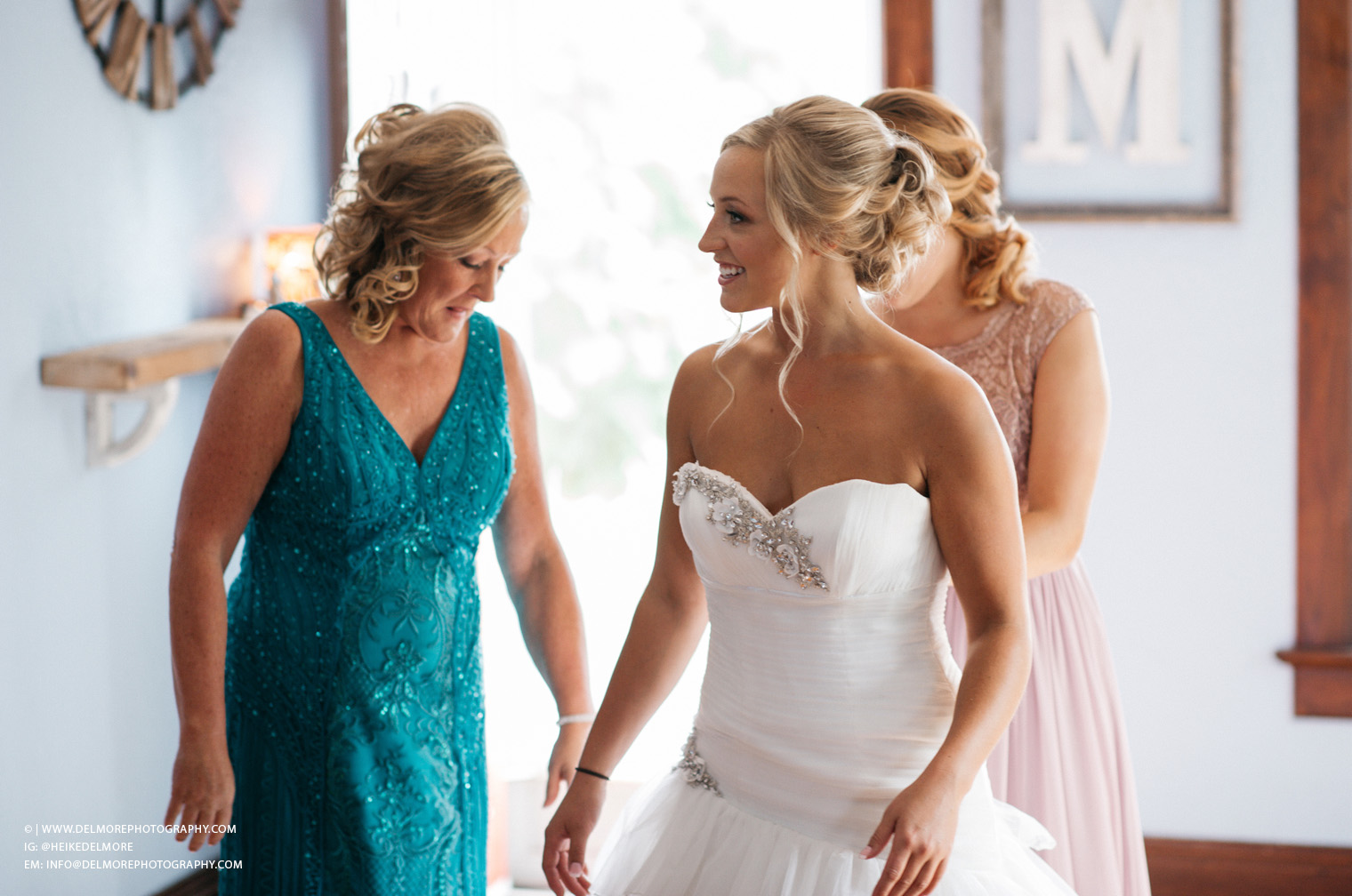 Top Windsor Ontario Wedding Photographers