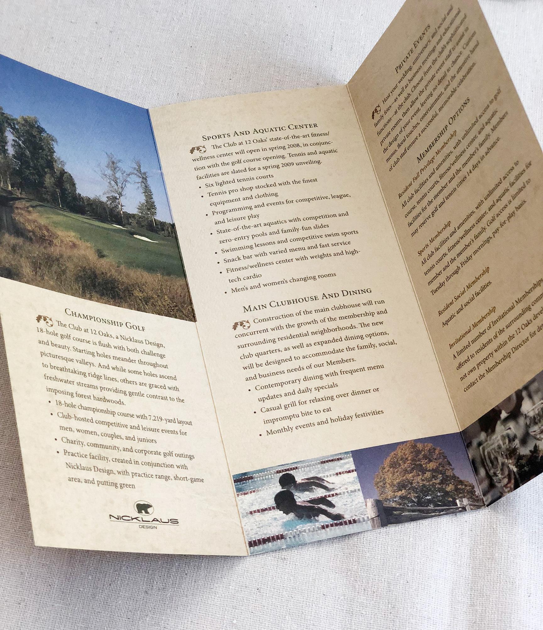 Brochures12Oaks_1849.jpg