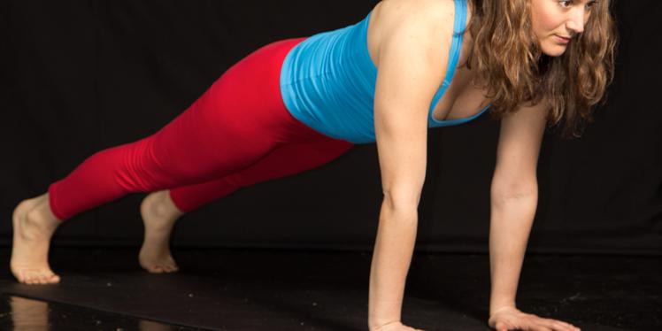 sarah-willis-yoga-plank-long.png