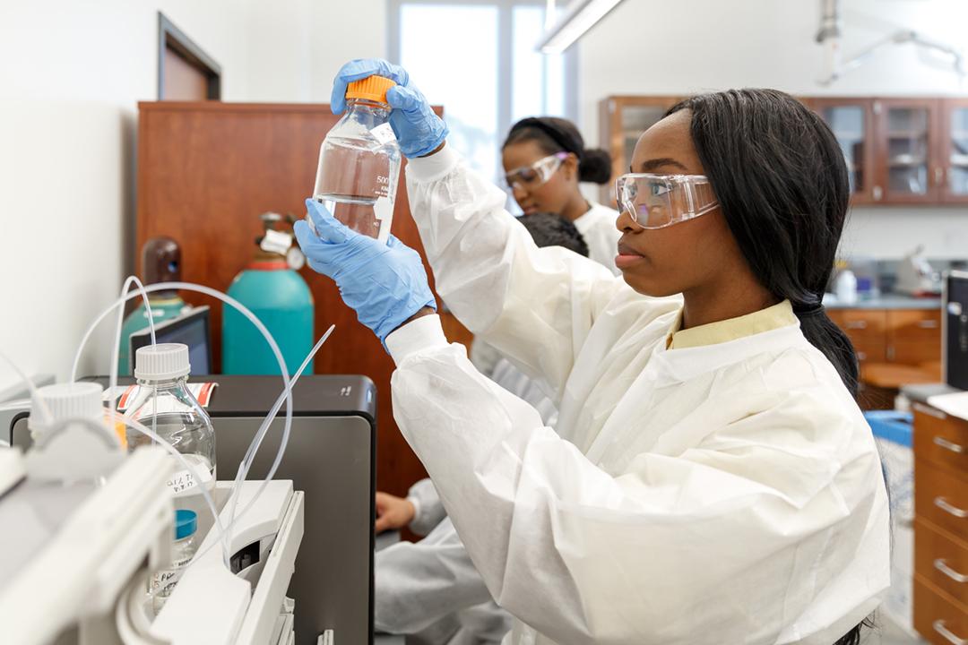 DAP-APU-Biotech-04192018-2174.jpg