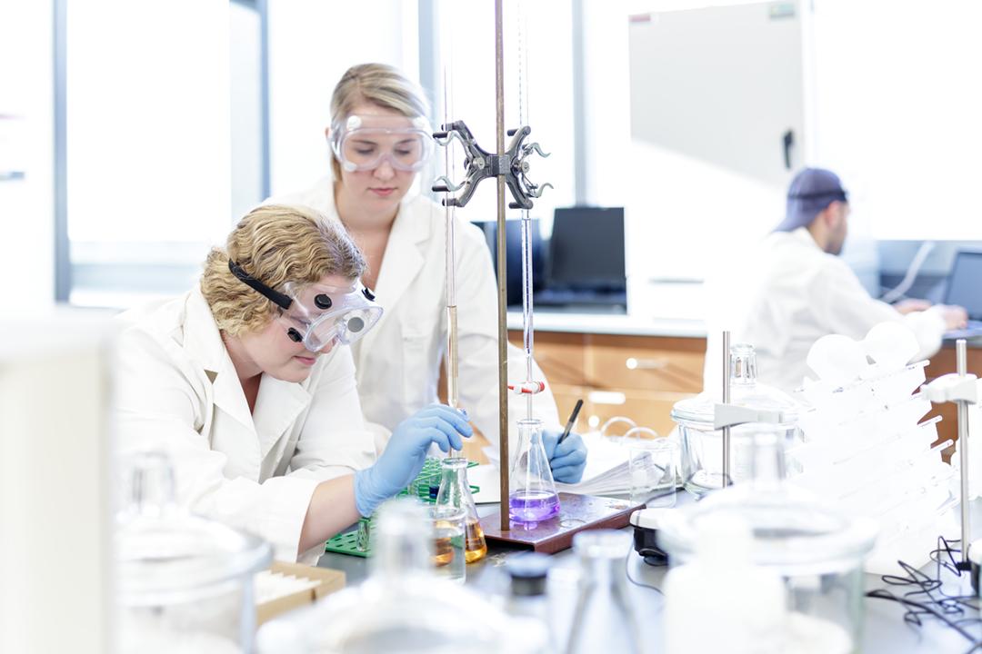 DAP-APU-Biotech-10102017-47w.jpg