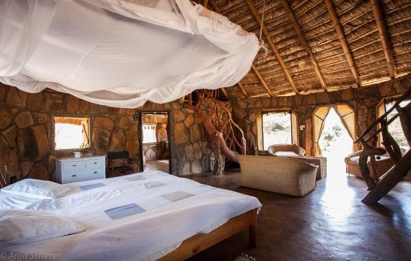 elkarama-lodge-Upstream-Cottage-Interior.jpg