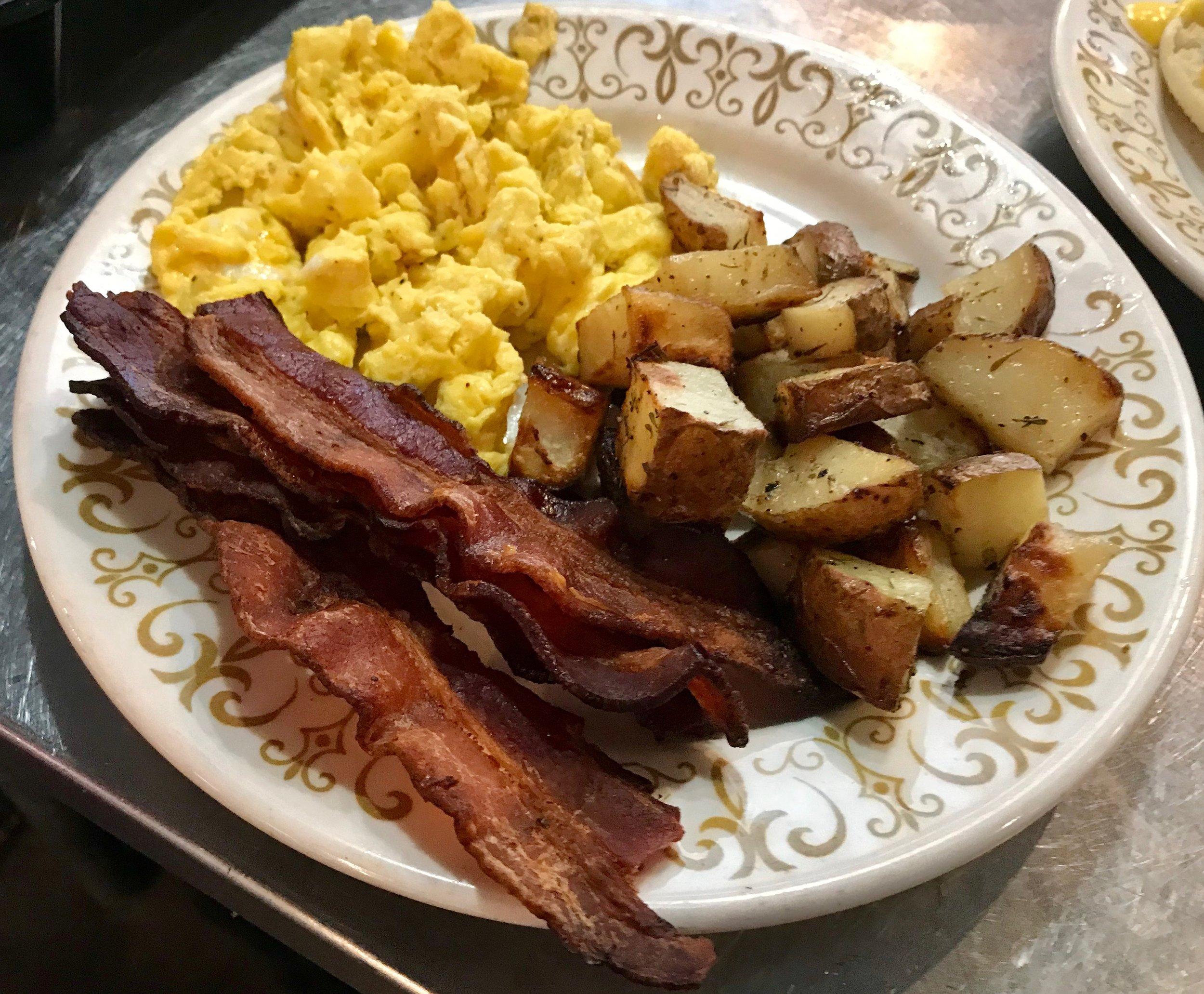 sb egg plate.JPG
