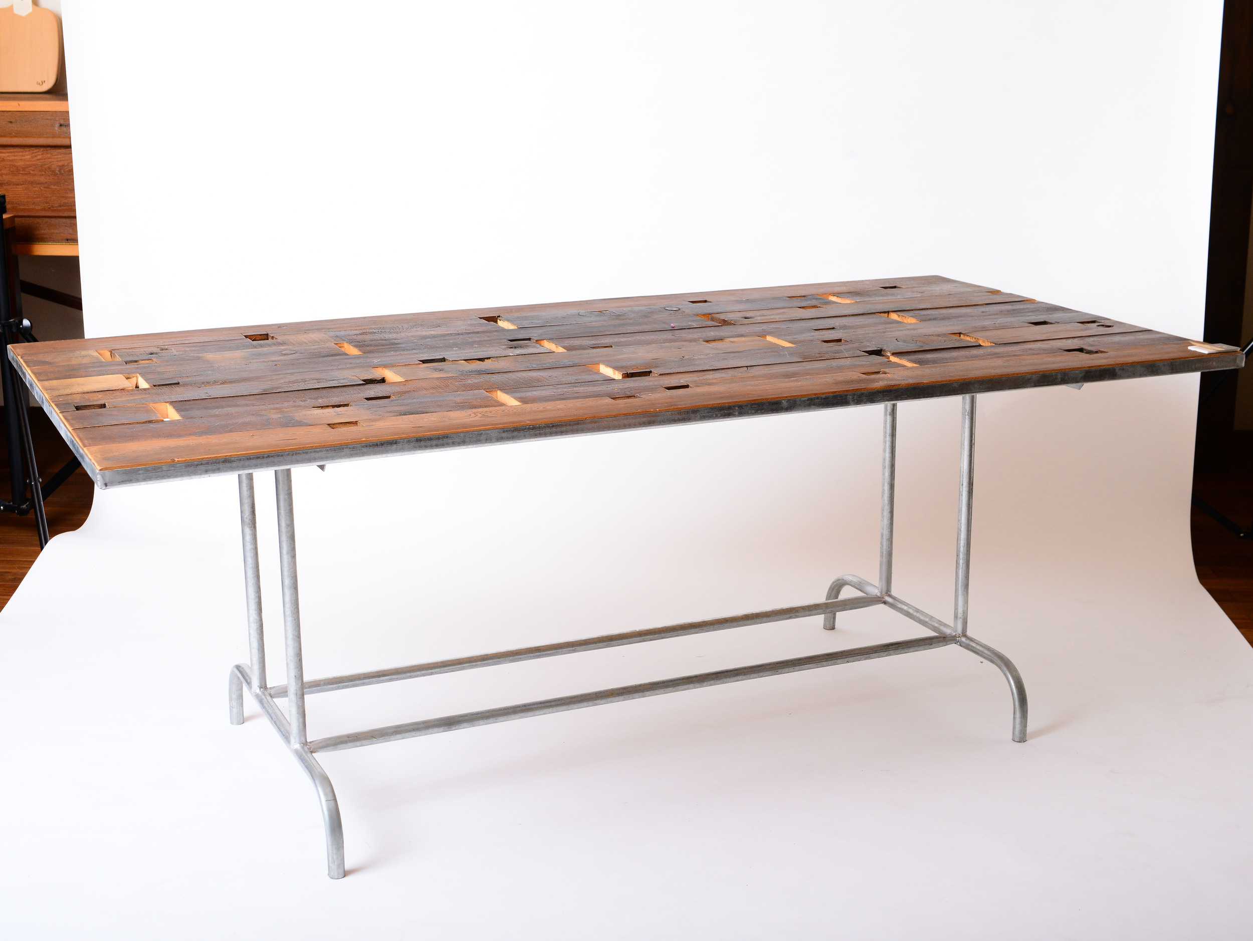F-01 Laval dining table 亞管x栂木/台灣檜木  Size:L150~300xW80~90xH75cm  NT 26,000起 (未稅,運費另計)