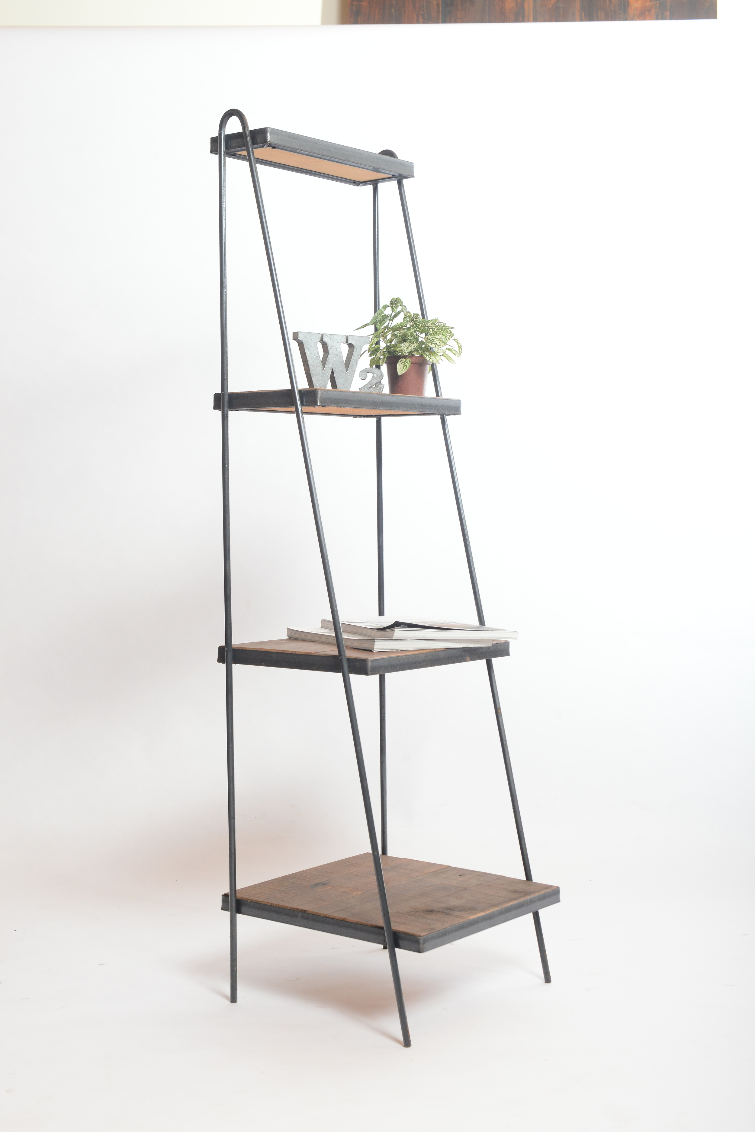 SH-I-03 Ladder shelf 01 H148*42 深梯子置物架  NT 7,800