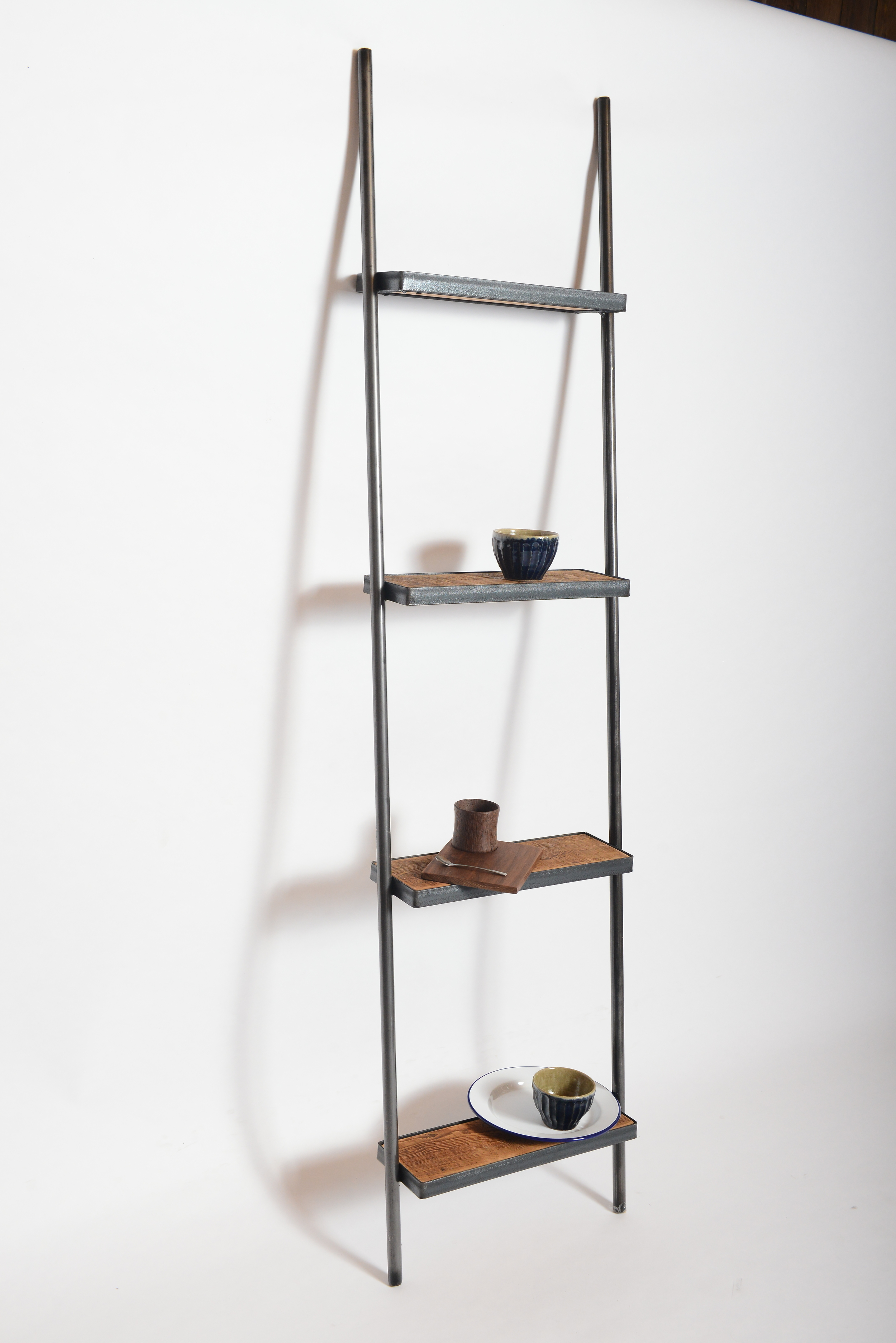 SH-I-04 Ladder shelf 02 H172*44 淺梯子置物架  NT 4,500