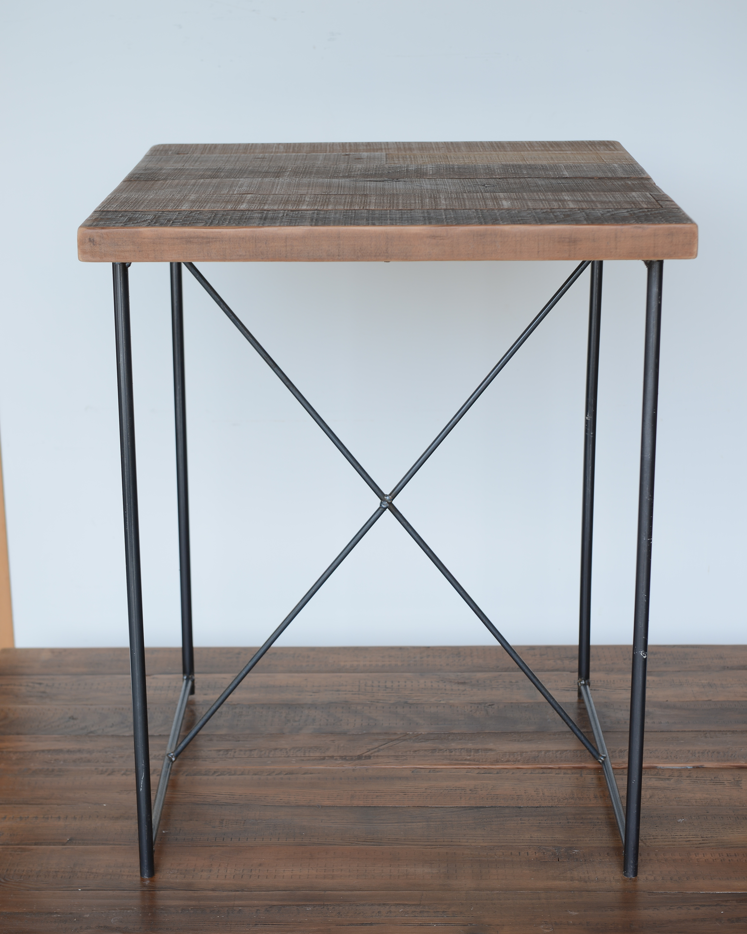 TS-I-07 Coffee table 實心黑鐵 x 栂木  NT 8,600 (未稅)