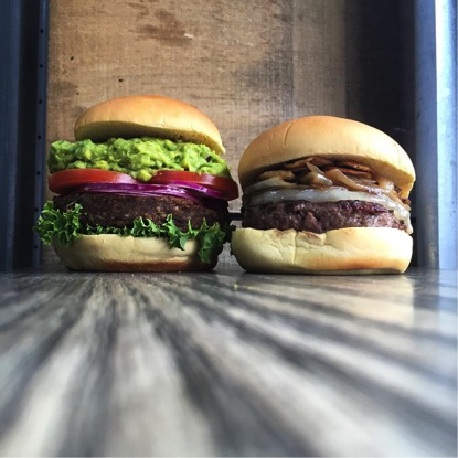 Zdroj foto: Burger Heights Facebook.