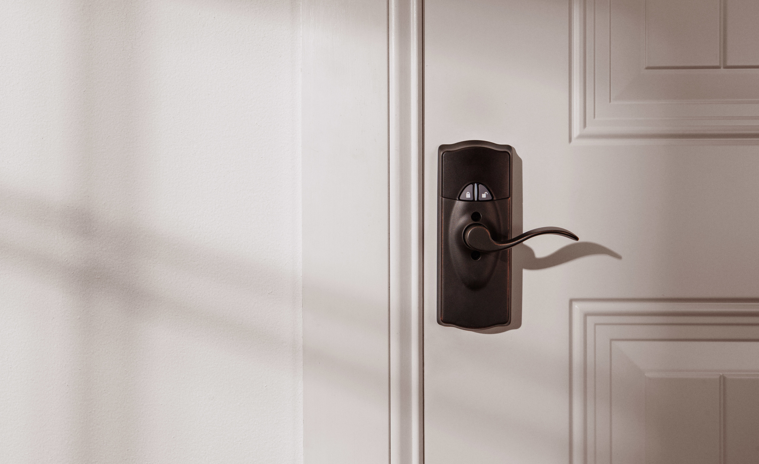 WINK_SCHLAGE-CAMELOT-RESIDENTIAL-CONNECTED-KEYPAD-LOCK-LEVER_BRONZE_LS_9370_11x18.jpg