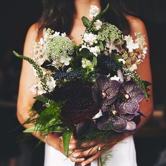 Luxurious, wild #weddingbouquet ... perfect for this moody autumn morning ... . . Always lovely working with @greenappleweddings ✨ 📷 @sidneybensimon .  #blackdahlia #vandaorchid #orchids #queenanneslace #hydrangea #scabiosa #bohobride #indiebride #blackflowers #gatherandcurate #underthefloralspell #newyorkflorist #fallwedding #dsfloral #wildlyromantic #fineartflowers #creativebride #fallweddingflowers #naturalflowers