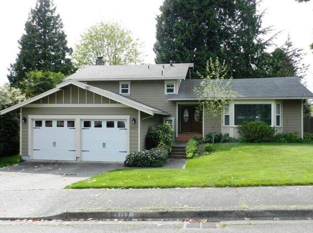 12117 105 Ave NE, Kirkland - SOLD-$375,000 | LISTING