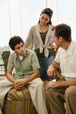 parents-talking-with-teenager-saidaonline1.jpg