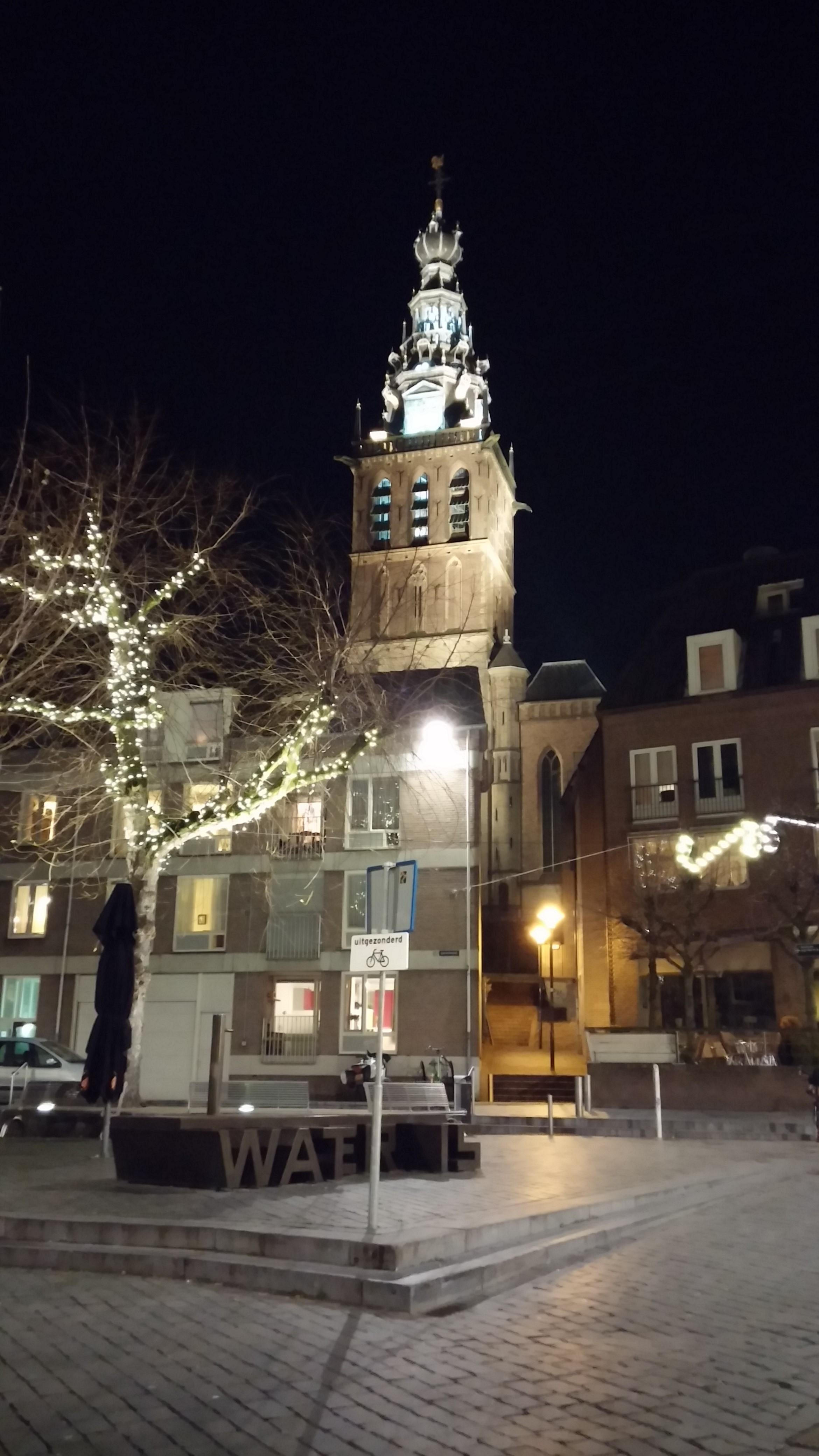 St. Stephen's Church at night