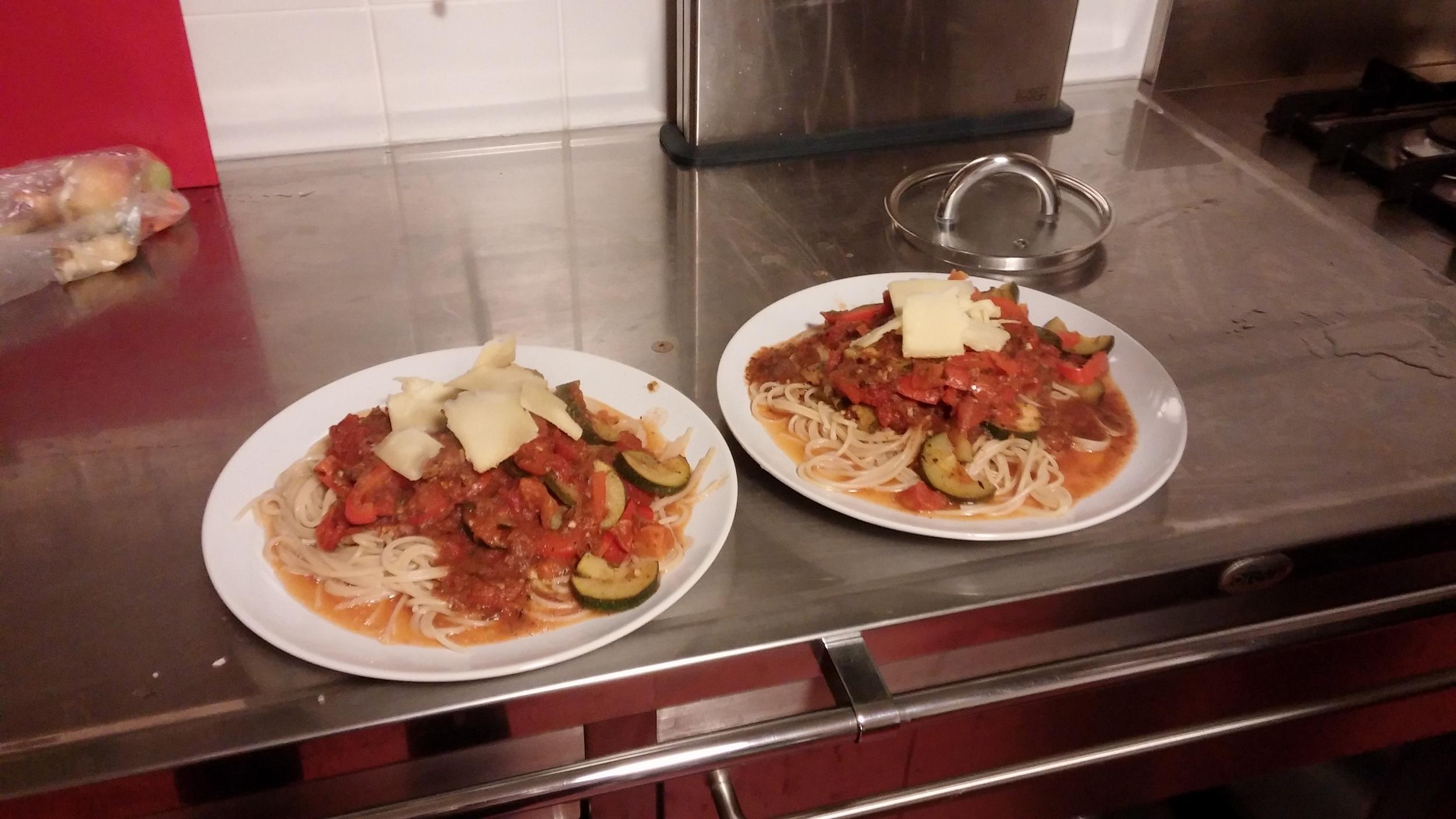 I made spaghetti for dinner.