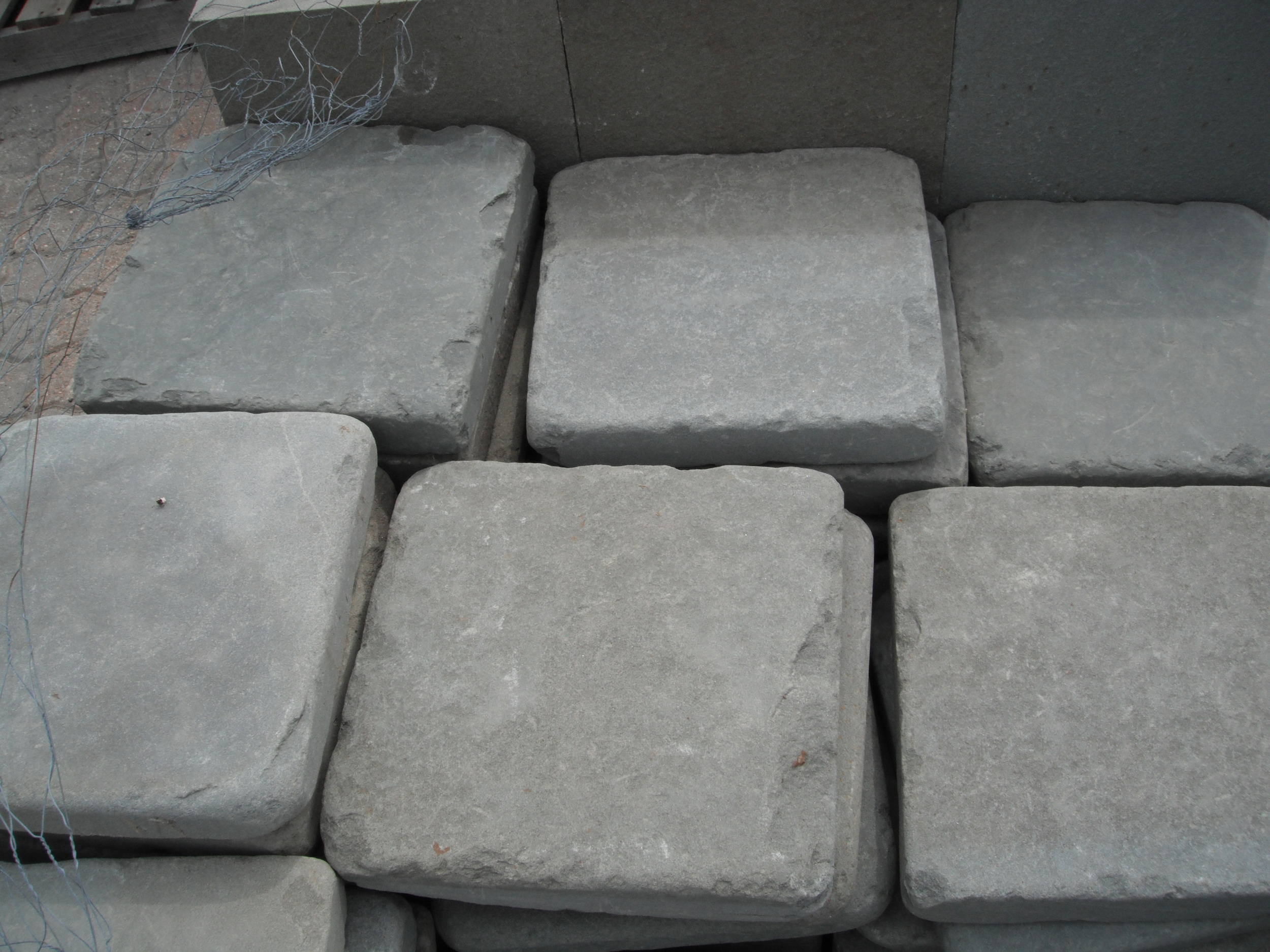 Tumbled Bluestone Kit