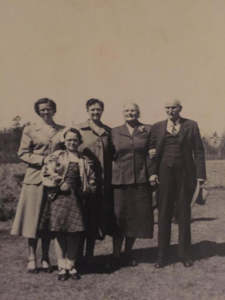 5 Generation Photo similar to Clyde's memory. This includes his sister, neice, mother, grandmother and great-grandfather. L-R: June Howard, Tommie Jean Howard, Stacie Whittaker, Ida Key, Daniel Todd
