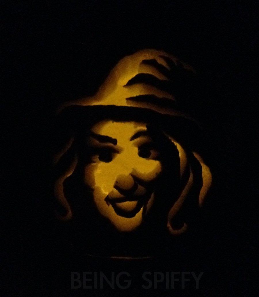 carve_pumpkin_pro_witch.jpg