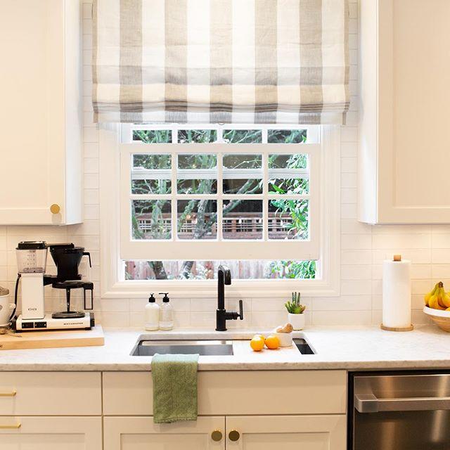 Kitchen goals #amycarnahandesign @theshadestore @kohler @schoolhouse